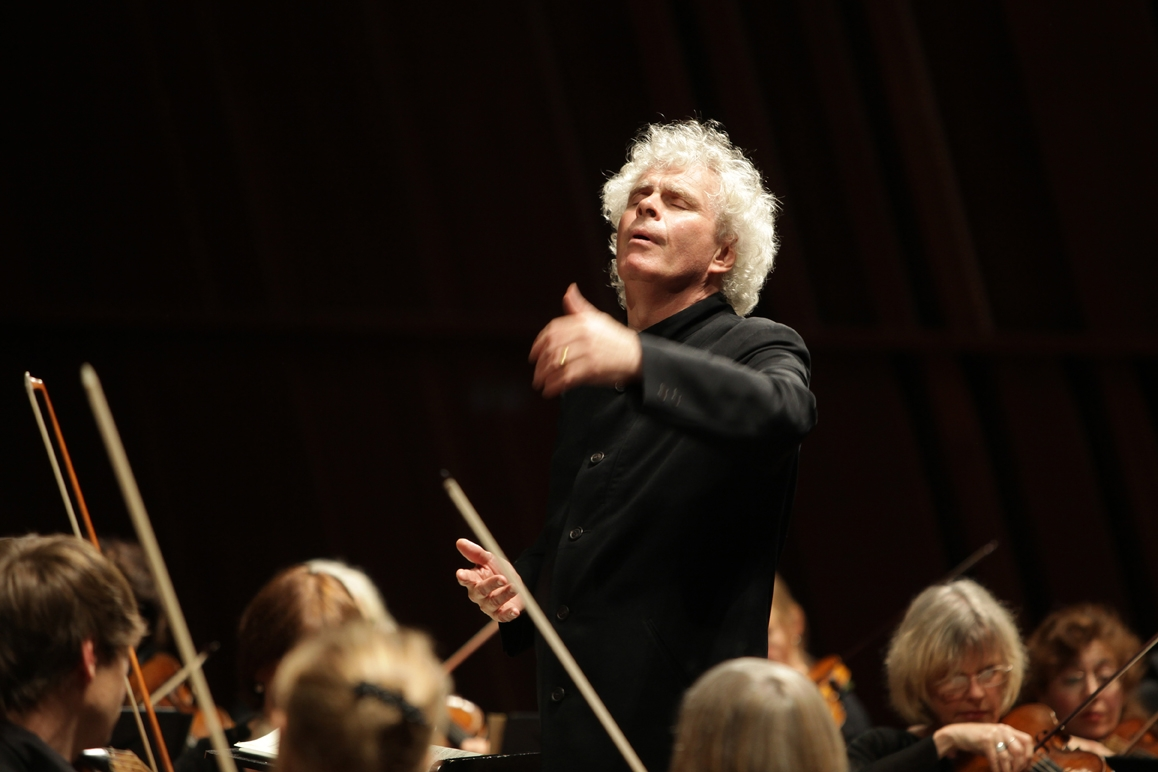 Sir Simon Rattle with the Orchestra of the Age of Enlightenment. Photo: Sebastien Grébille